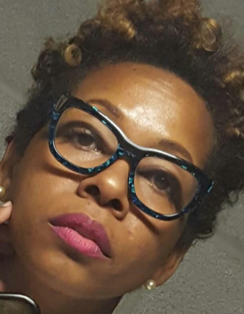 Headshot of Lisa | SalonCentric
