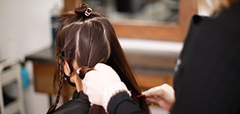 sparkscolor-saloncentric-blonding-sectioning-back-of-hair