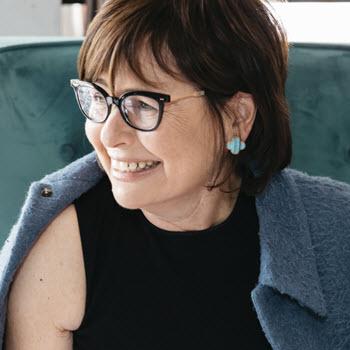 Suzi Weiss-Fischmann Headshot