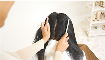 relaxer-on-textured-hair- step-1-mizani-parting